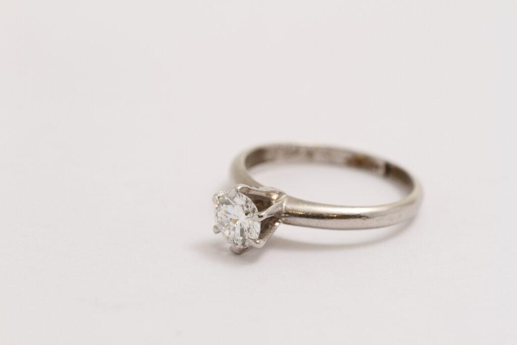 指輪リフォーム Before 古い指輪
