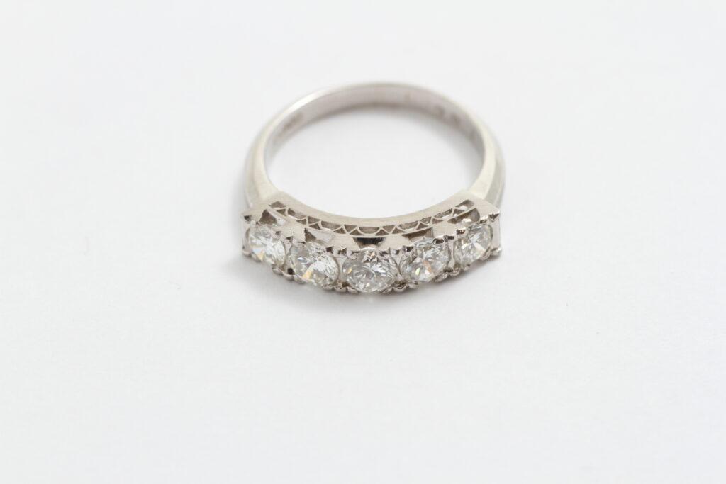 指輪リフォーム Before 一文字指輪