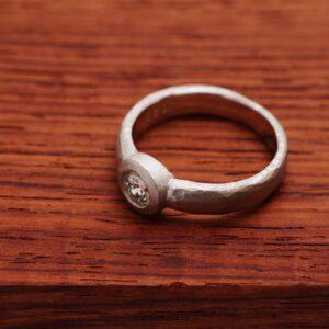 指輪のリフォ―ム マルコムベッツ風