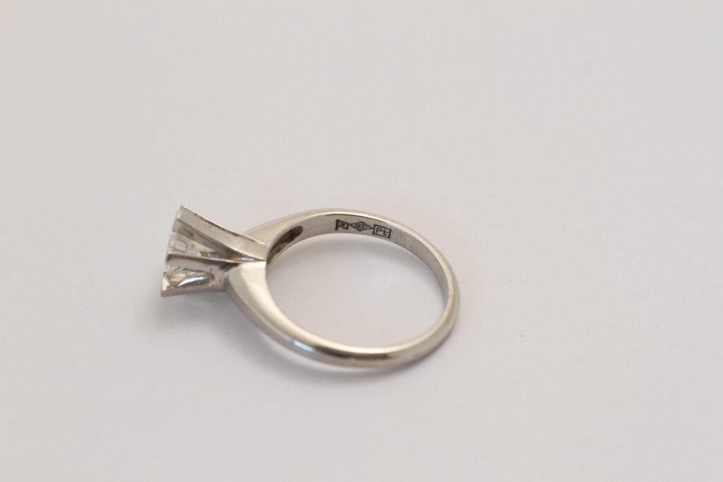 指輪リフォーム Before オニ爪リング