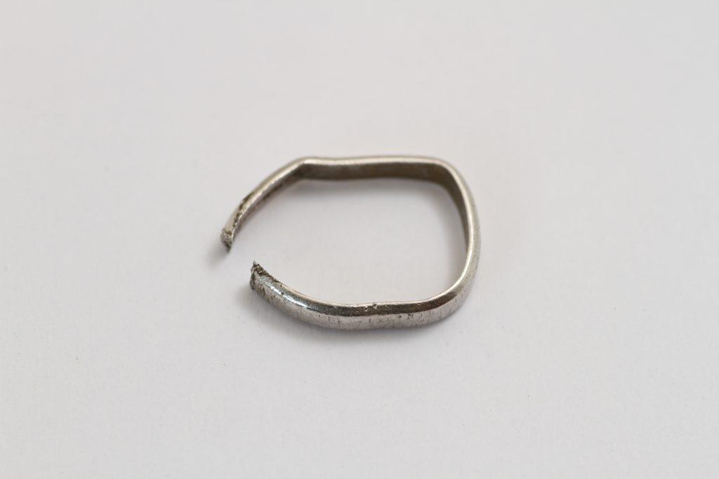 プラチナ 変形 指輪