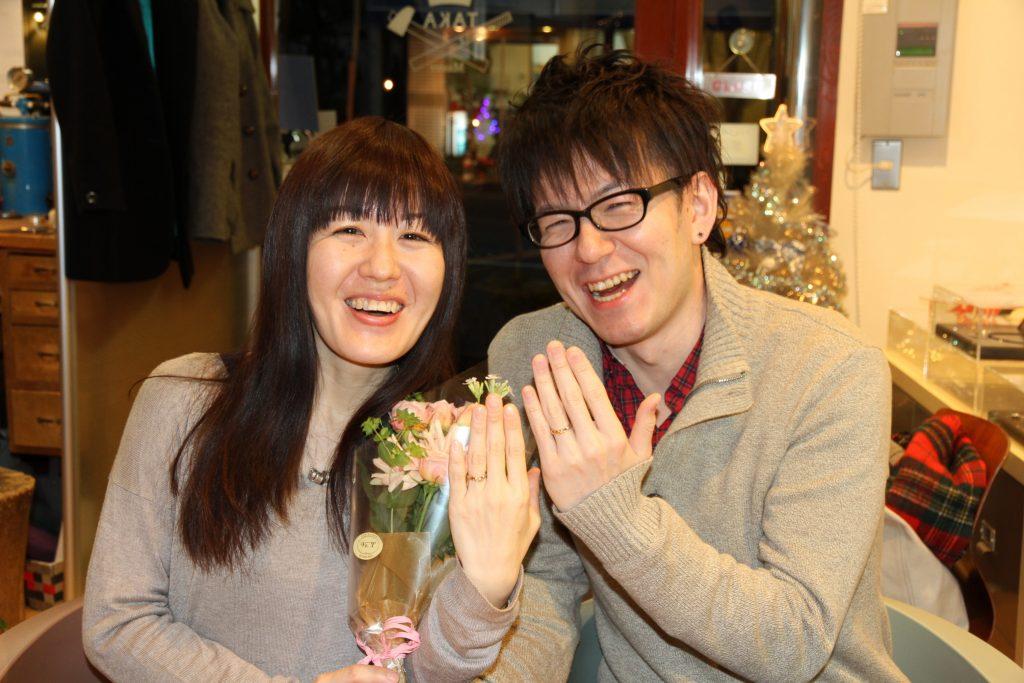 結婚指輪 納品の瞬間 笑顔溢れるお客様
