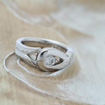 ダイヤモンドの婚約指輪リフォーム
