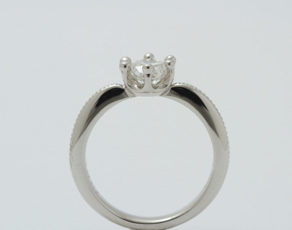 IFダイヤ立爪の指輪リフォーム ミルククラウンデザインが完成しました。