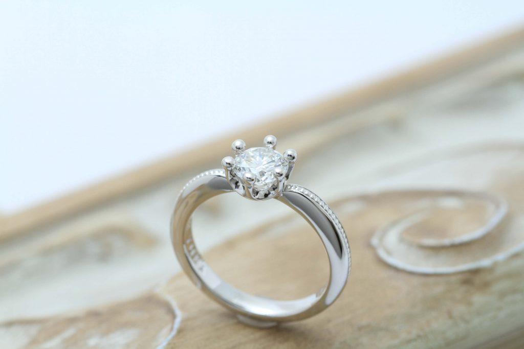IFダイヤ立爪の指輪リフォーム ミルククラウンデザインの完成の瞬間