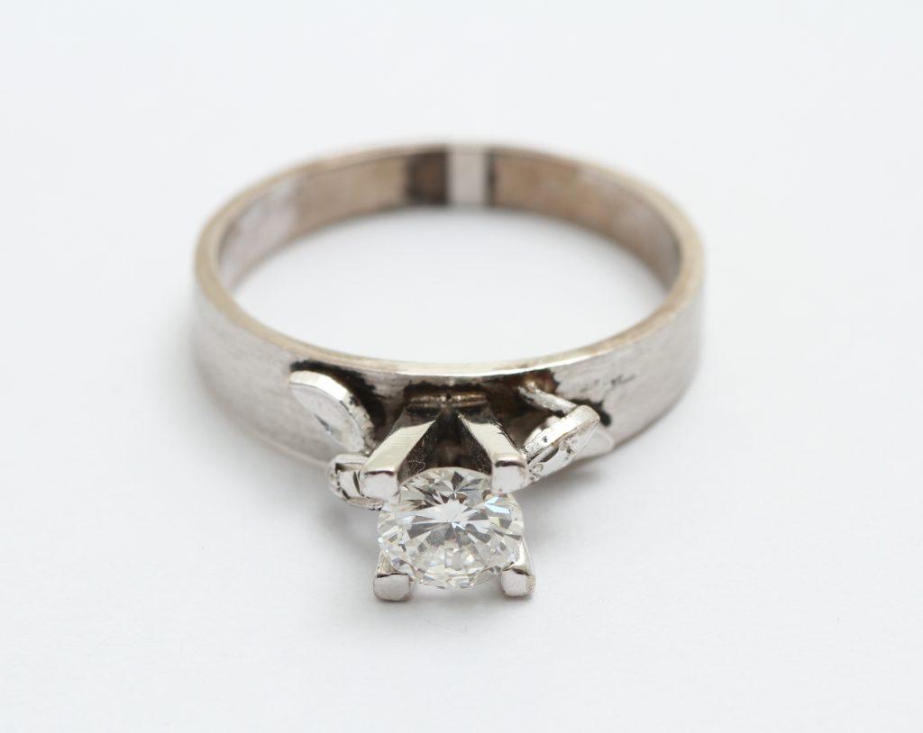ご親族様から受継いだダイヤモンド