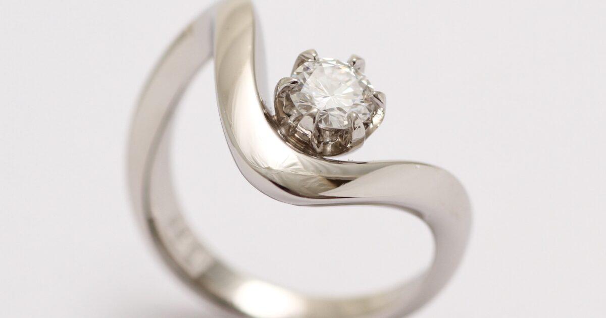 立爪ダイヤモンドの指輪 リフォーム