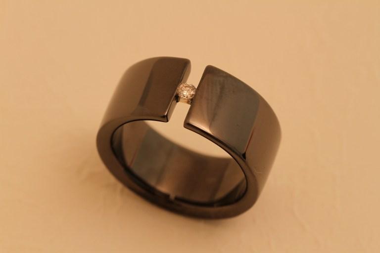 オーダーリング Silver +ブラックメッキ + メレーダイアモンド