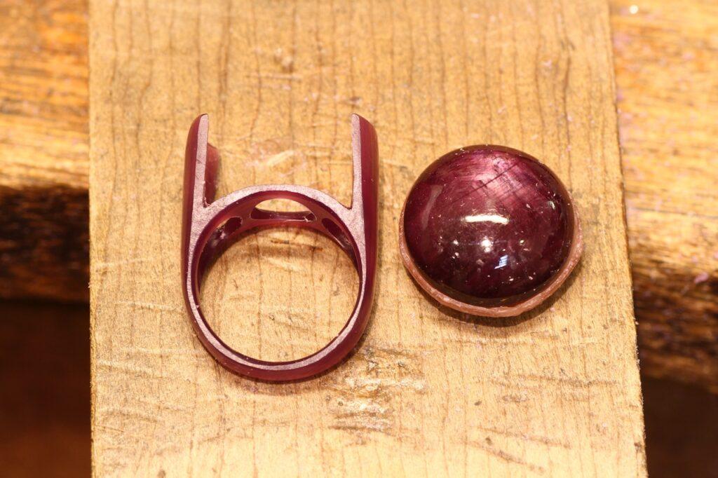 ルビーの指輪の製作途中 ワックスモデリング