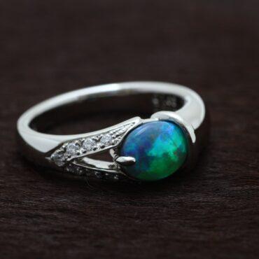 ブラックオパールの指輪