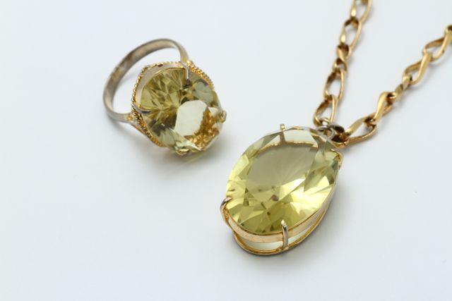 お持ち込みの宝石付き指輪&ネックレス