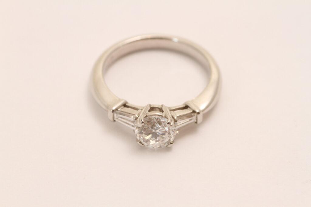 指輪リフォーム Before 古いデザイン