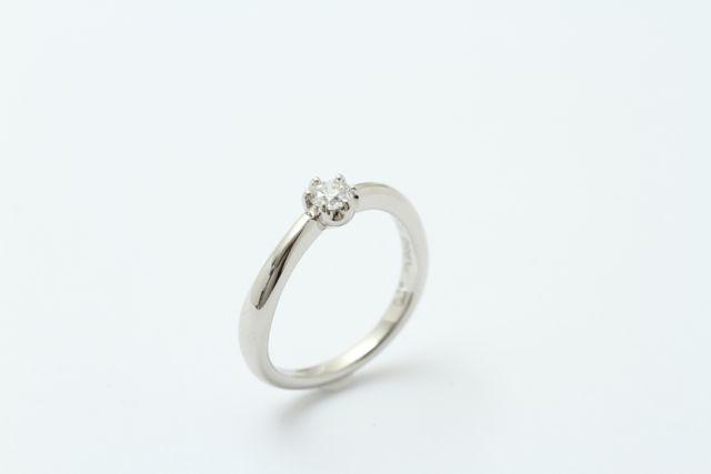 オートクチュール婚約指輪