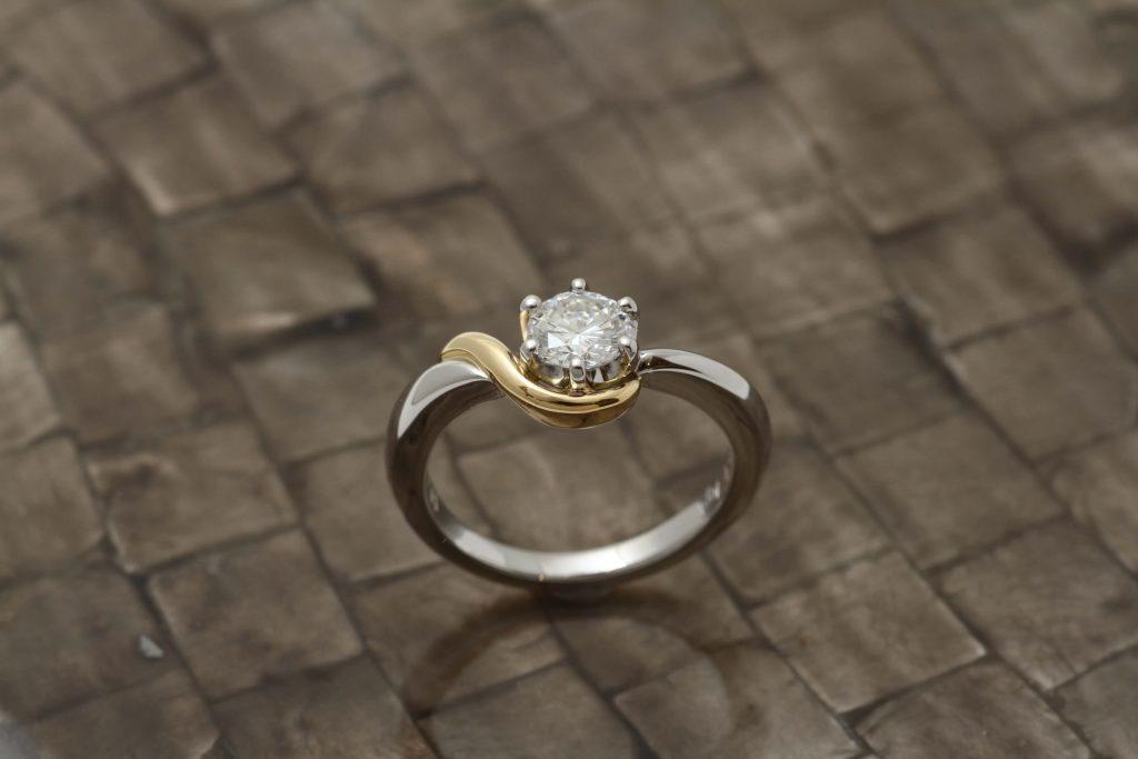 継承された指輪を溶かして作ったジュエリー