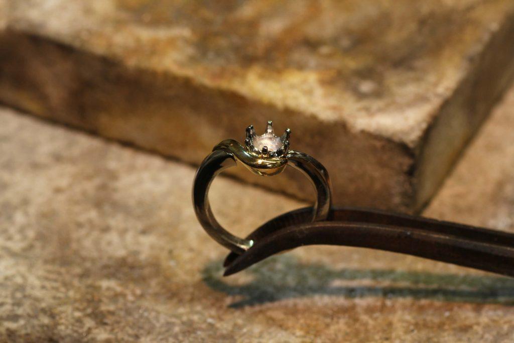 指輪製作 ロー付けシーン