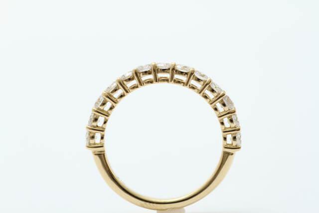 金とダイヤモンドの指輪