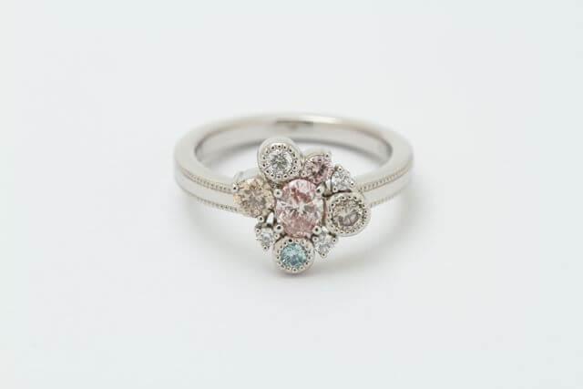 カラーダイヤモンドの指輪が完成しました!