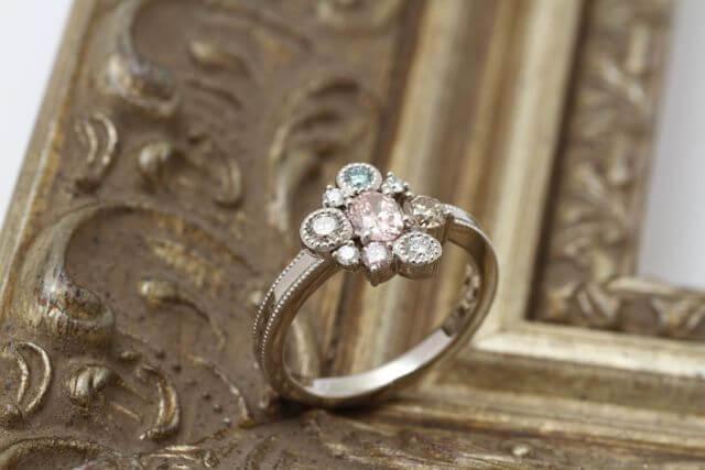 カラーダイアの指輪です!