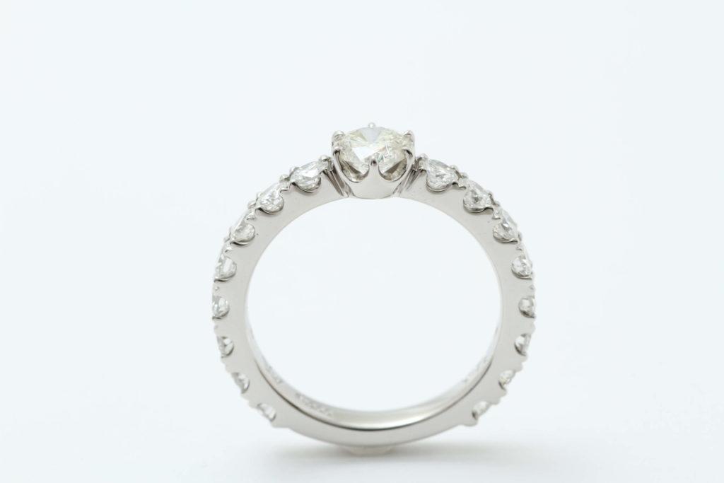 ダイヤの指輪リフォームです。
