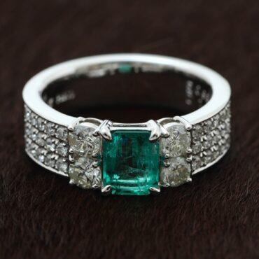 エメラルドの指輪が完成しました!
