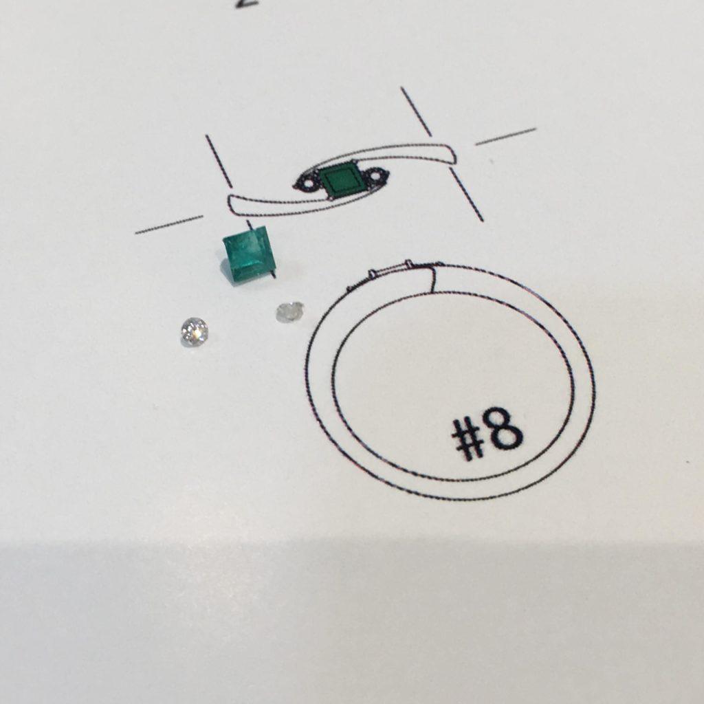 エメラルドリングのデザイン