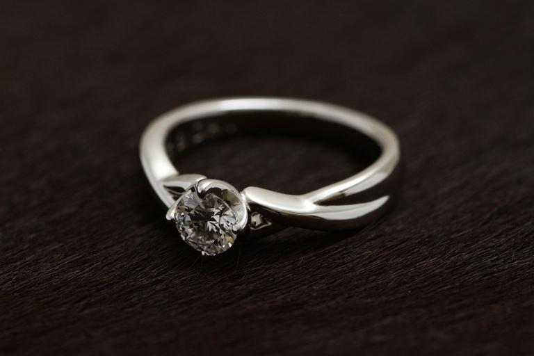 ダイヤ 0.123Ct Dカラー VS1 Ex Pt900 オーダーメイド婚約リング