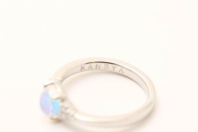 指輪の内側に『感謝(KANSYA)』と打刻しました