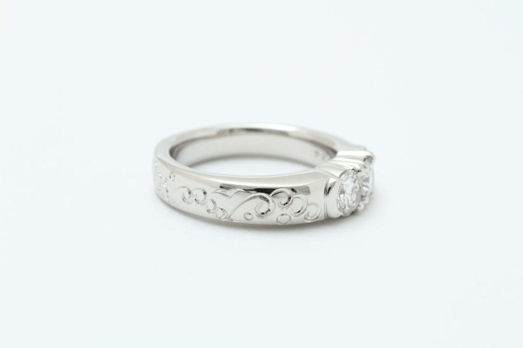 和彫の指輪