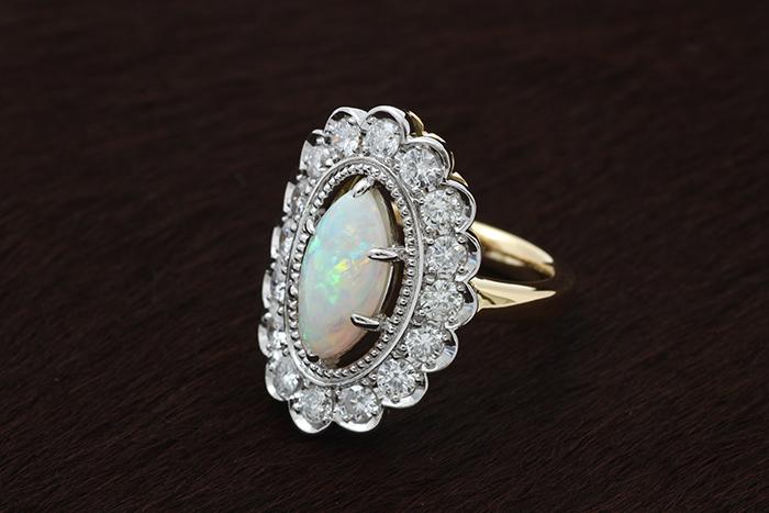 オパール&ダイヤの指輪
