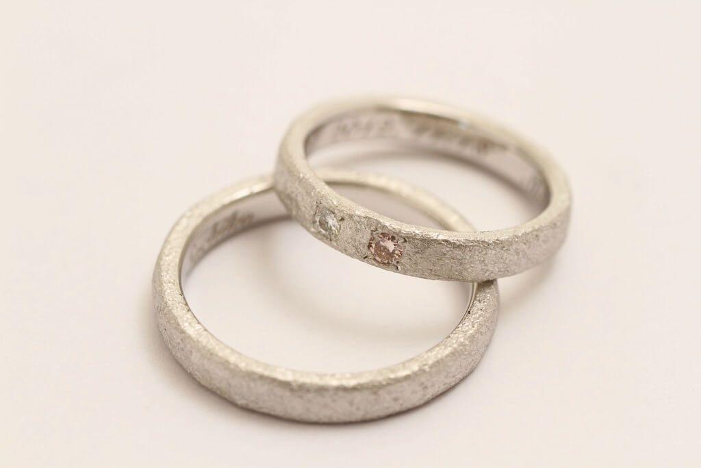 個性光る作風の結婚指輪