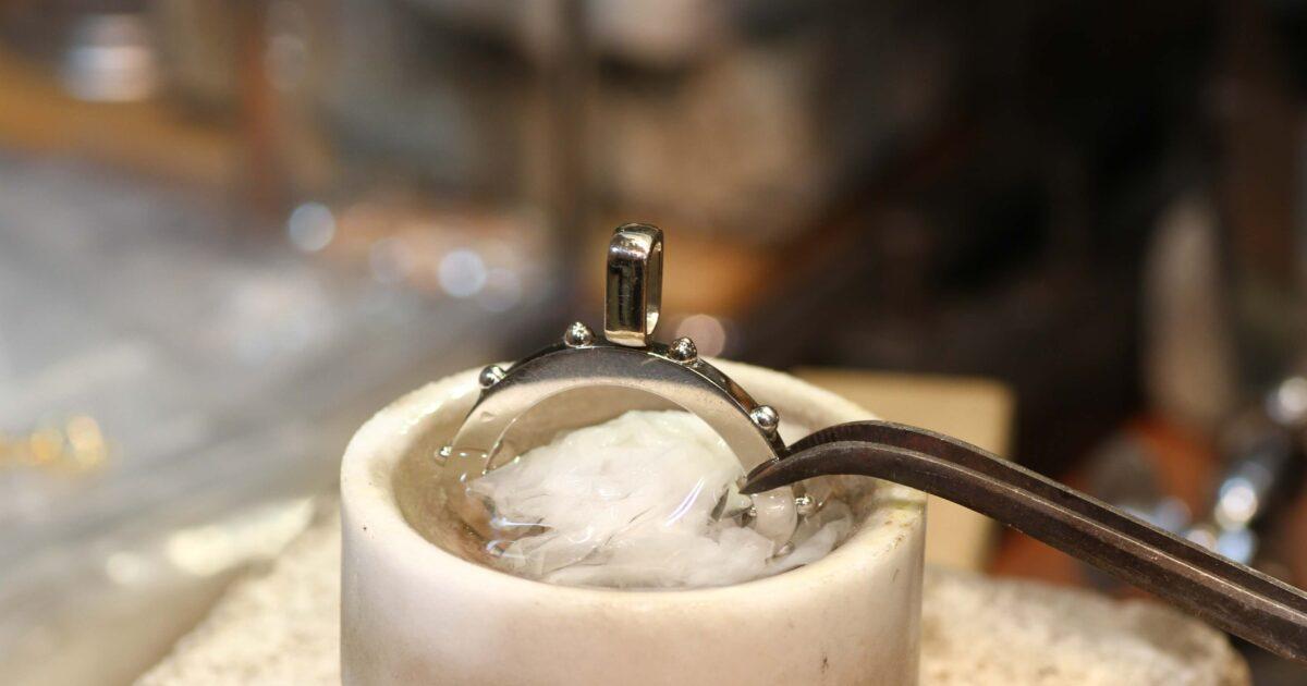 ルイヴィトンのダイヤペンダント修理工程